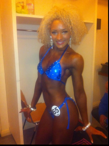 Lauretta bodybuilding bikini